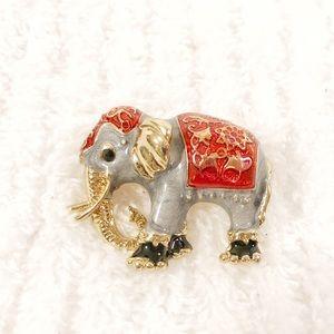 💚5/$25💚 Elephant Brooch